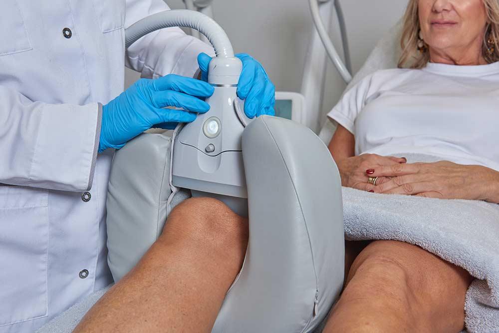 Knievet verwijderen zonder operatie